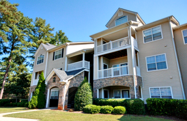 Walden Brook Apartments Exterior