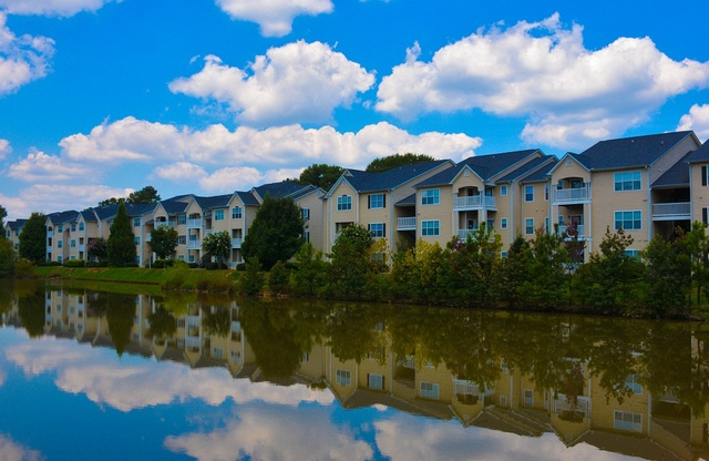 Walden Brook Apartments Lake